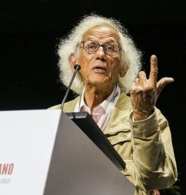 L'artista Christo ha aperto Icom ieri a Milano.