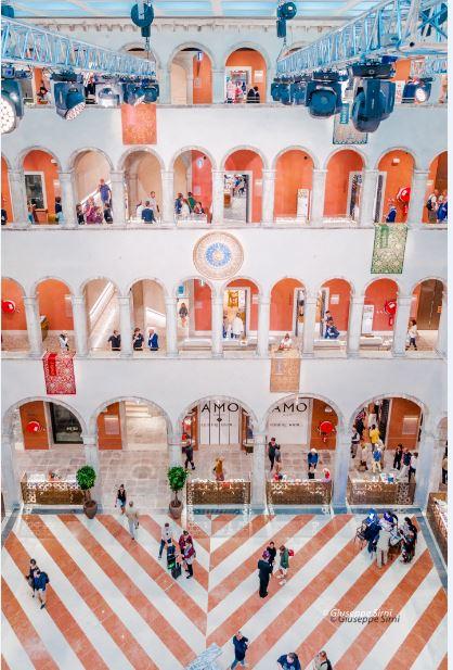 Fondaco Tedeschi: perché era un magazzino degli stranieri in città. (foto: Giuseppe Sirni per The Way Magazine).