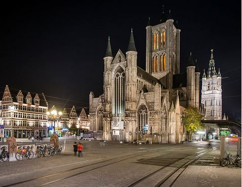 A Gent la cattedrale di San Nicola.