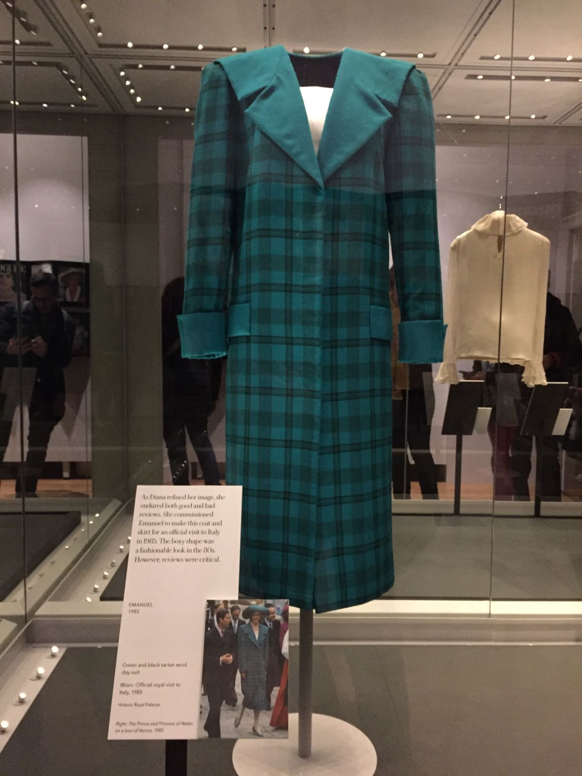 Lady Diana Her Fashion Story (3)