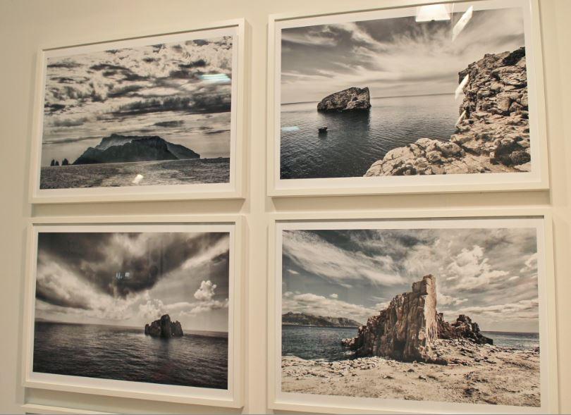 Lo spazio al MIA Photo Fair di Gianni Maffi (Capri è la prima in alto a sinistra).