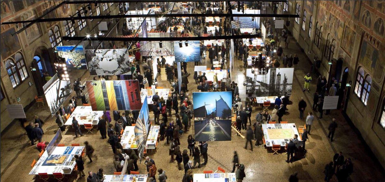 L'allestimento della mostra Renzo Piano Piece by Piece a PAdova, nello storico Palazzo della Ragione.