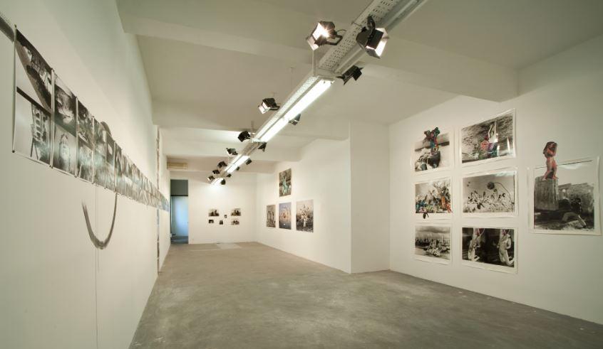 L'allestimento alla Galleria Gluck50 di via Gluck a Milano per Birdhead.