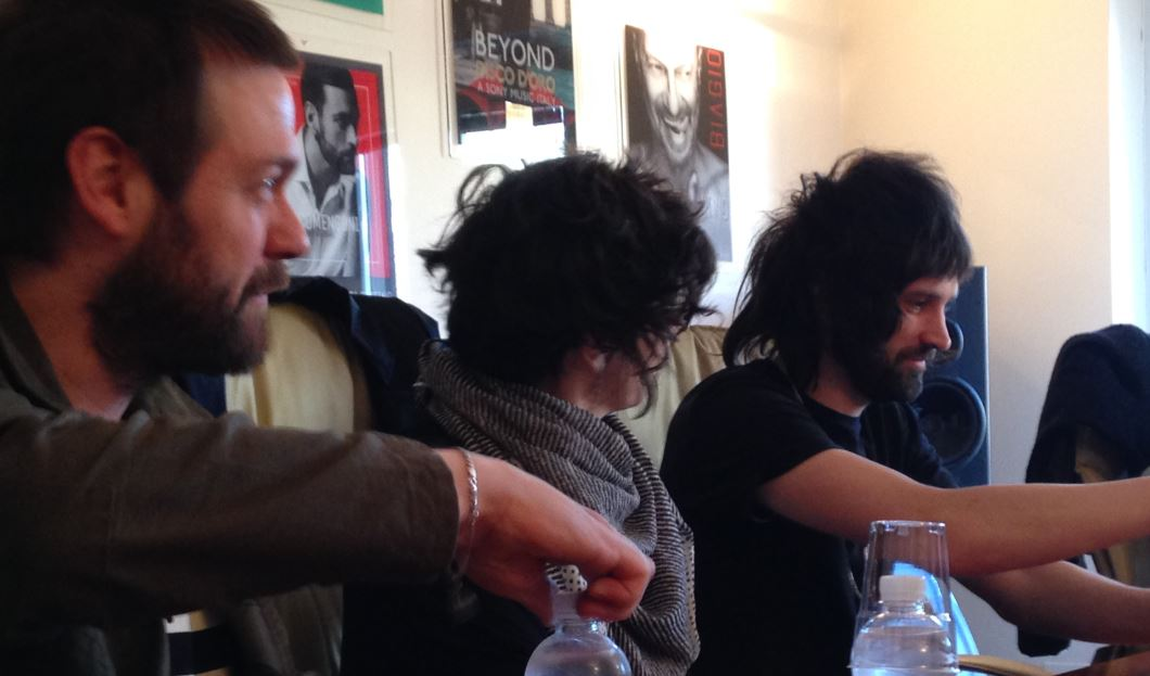 I Kasabian durante la nostra intervista a Milano (foto: The Way Magazine)