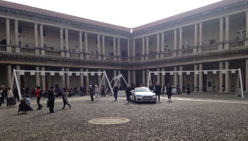 Il Sonic Pendulum avvolge la presentazione della nuova Gran Turismo Audi.
