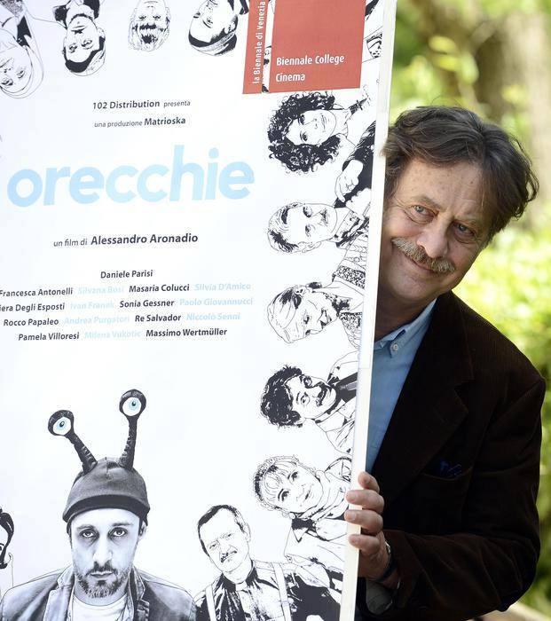 Massimo Wertmüller nel film Orecchie recita con Andrea Purgatori e Pamela Villoresi.