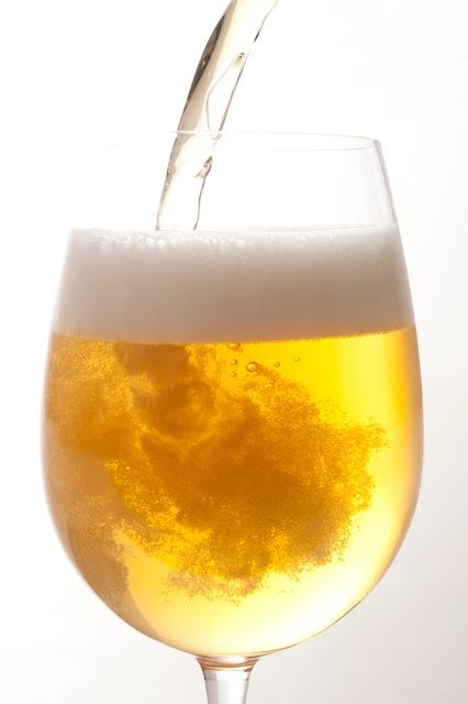 La birra spillata: in Italia aumenta il consumo e la produzione.