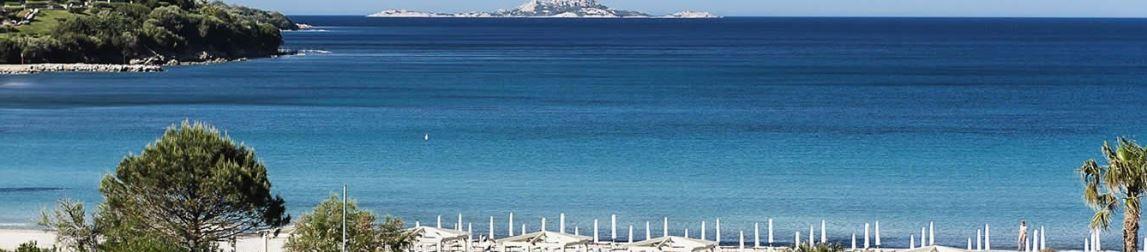La spiaggia dell'hotel Abi D'Oru.