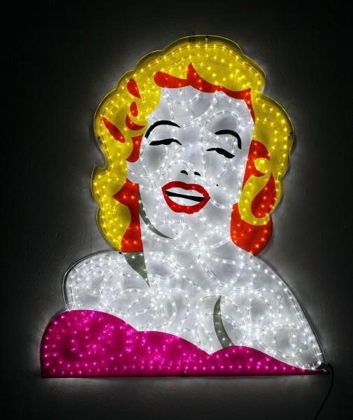 La Norma Jean (vero nome di Marilyn Monroe) di Marco Lodola a Locorotondo