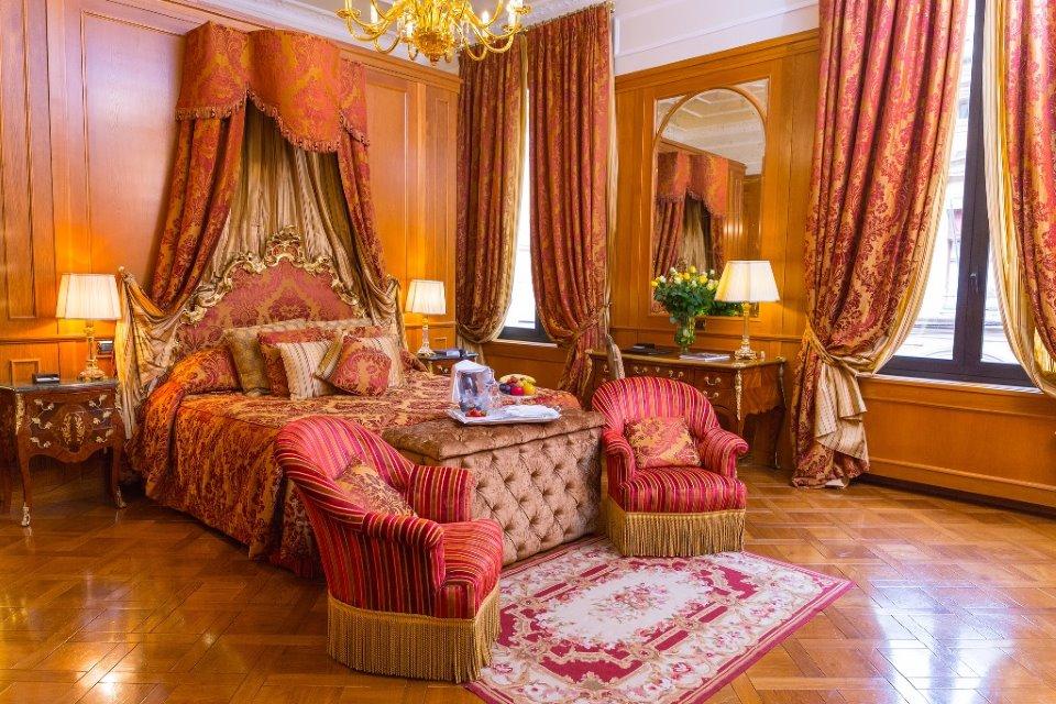 La suite del Grand Hotel Majestic di Bologna.