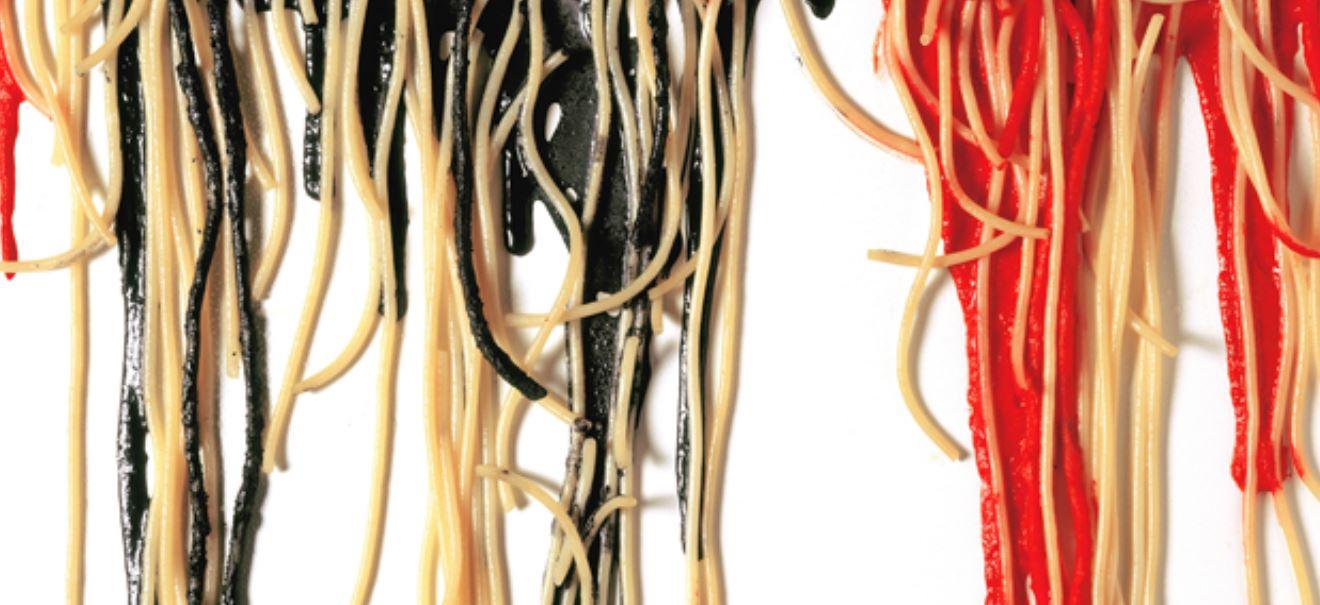 Armando Testa Spaghetti su tela 1991 fotografia a colori Collezione Gemma De Angelis Testa