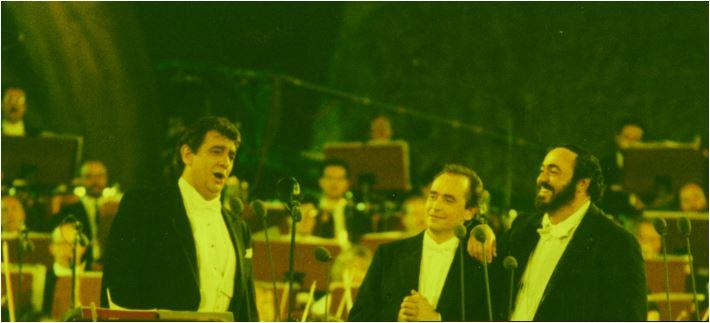 I Tre Tenori. Il loro disco d'esordio, registrato live a Roma nel 1990, è nel Guinness dei primati come il disco di classica più venduto nella storia. Ha vinto anche un Grammy,