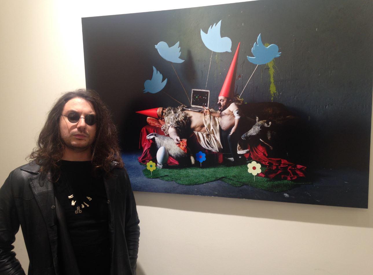 L'artista Dorothy Bhawl espone alla collettiva di Hive Tattoo Art Gallery a Milano. (foto: The Way Magazine)