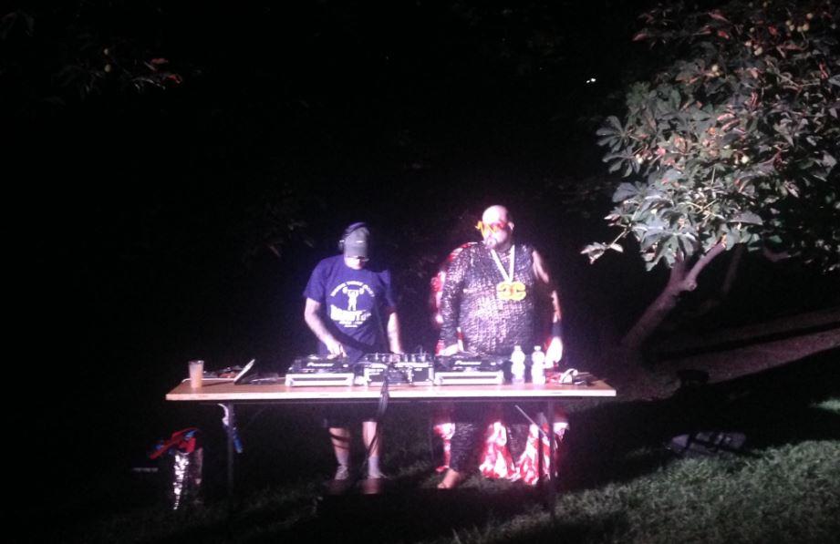 Party estivo: gli Hard Ton si sono esibiti per la serata di Le Cannibale alla Triennale di Milano (foto: The Way Magazine).