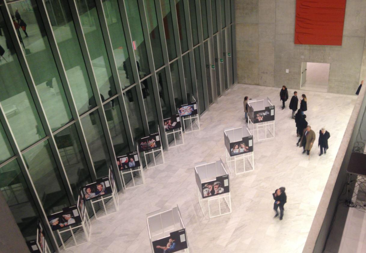 A Bocconi Art Gallery 2017 ci sono anche installazioni fotografiche.