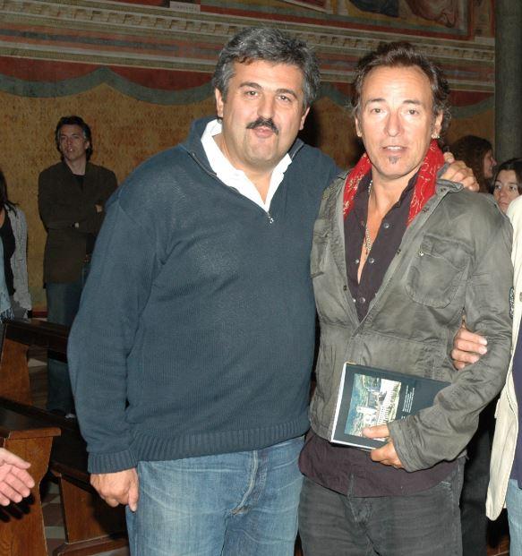 Nel 2014 ad Assisi con Bruce Springsteen: Claudio Trotta ha degli aneddoti davvero unici con The Boss che racconta nel libro.