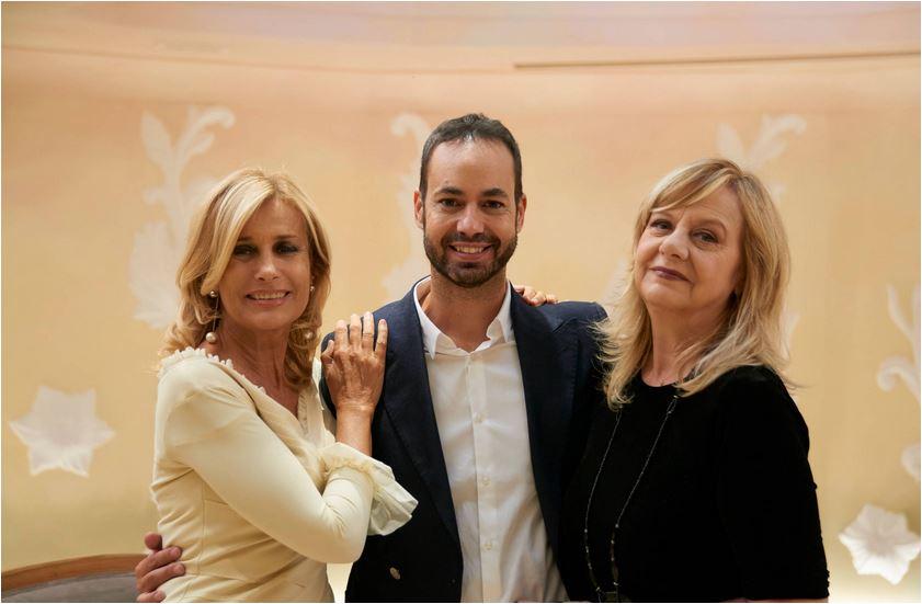 Damiano Gallo in mezzo ad Alessandra Appiano che conduce con lui ABC Casa, e Marina Perzy, la co-conduttrice de Il Bello del Mattone.