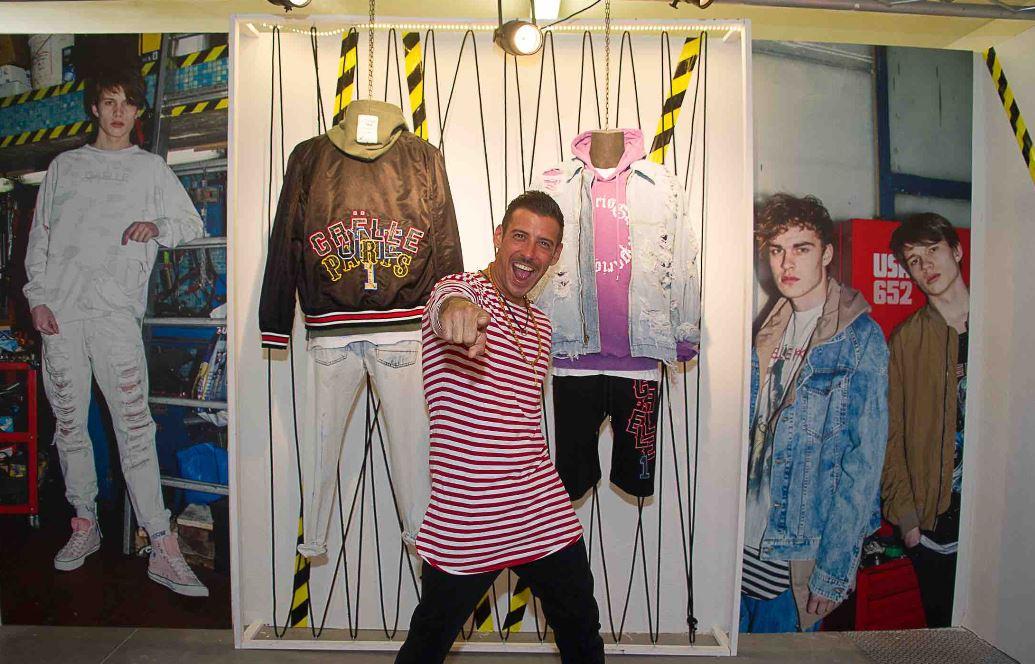 Gaëlle Paris presenta la nuova collezione Spring/Summer 2018, durante Pitti Immagine Uomo n. 92 e sceglie come special guest, per la prima volta a Pitti, il vincitore del Festival di Sanremo 2017 e interprete della hit Occidentali's Karma, Francesco Gabbani.