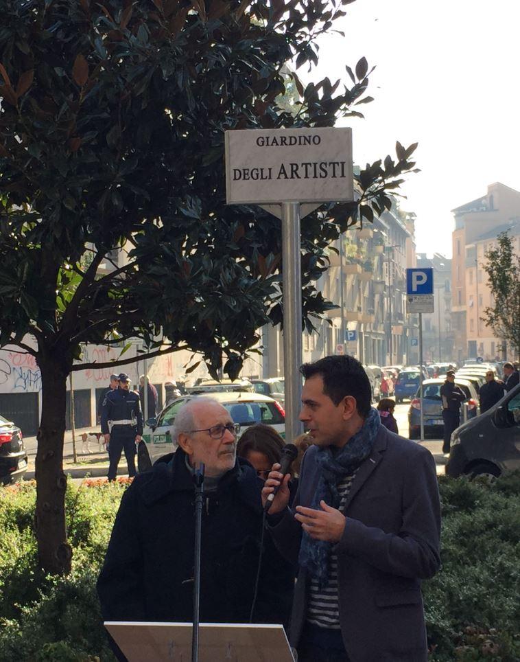 Christian D'Antonio, direttore di The Way Magazine, introduce ai cittadini di NoLo il celebre artista Emilio Isgrò.