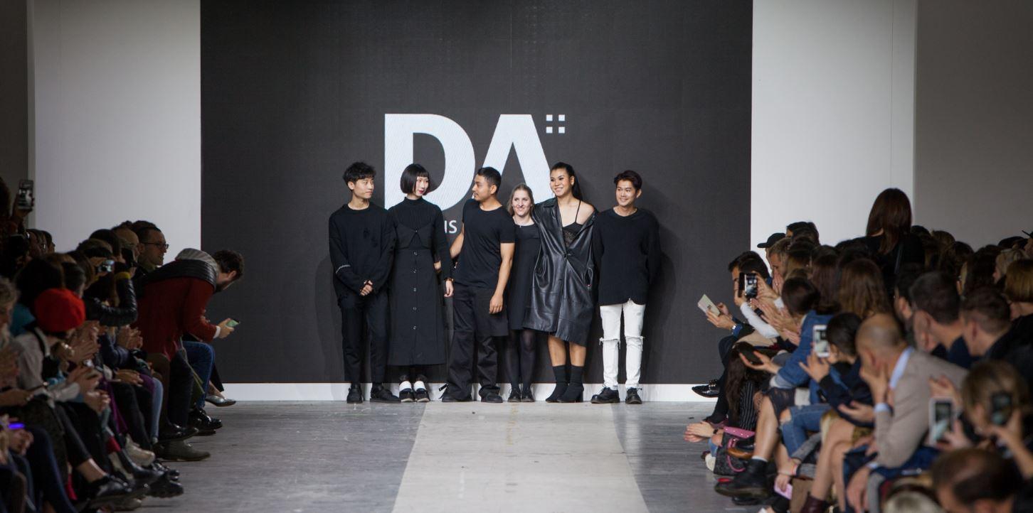 Alcuni studenti Domus Academy al BASE di Milano per Fashion Graduate Italia 2017.