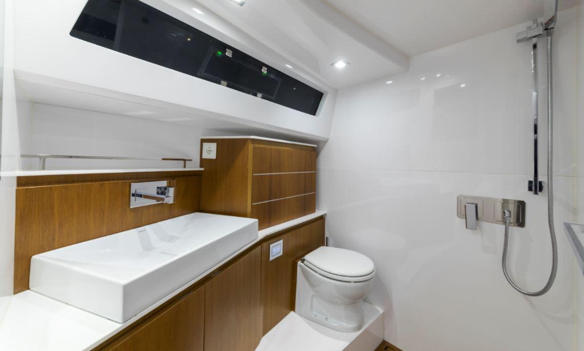 evo bath yacht