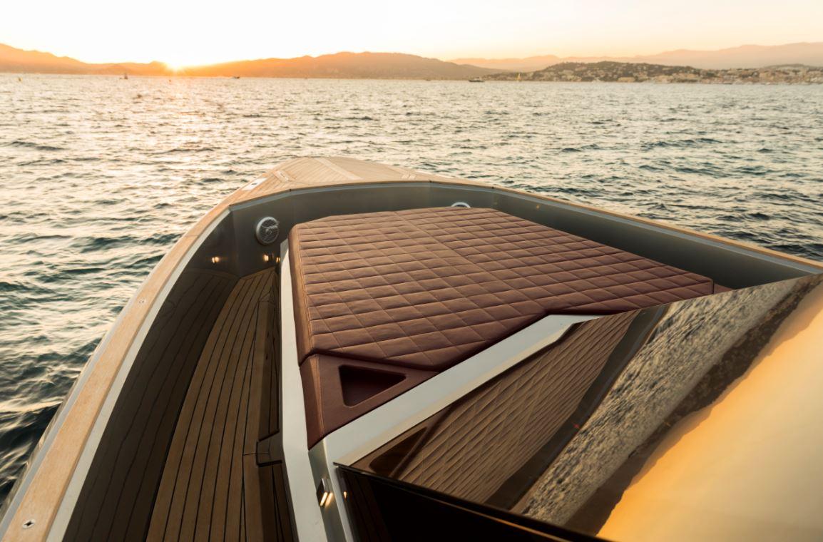 evo yacht exterior the way magazine (7)