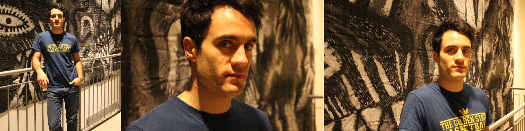 Alessandro Bruni Ocana davanti allopera di Sergio Battarola al TEatro Elfo Puccini di Milano (foto: Christian D'Antonio per The Way Magazine).