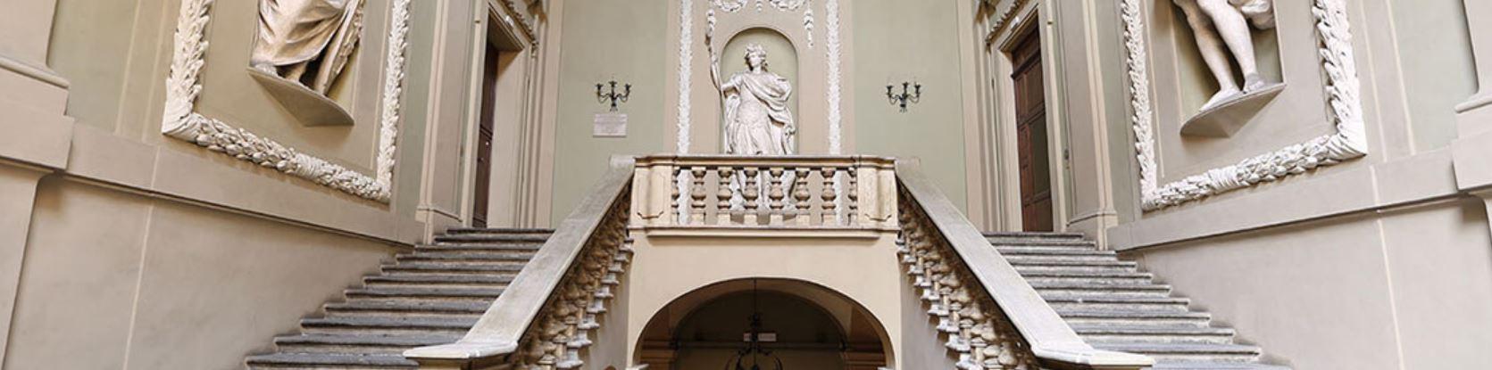 Set-Up si svolge nel Palazzo Pallavicini, in via San Felice 24, nel cuore della Bologna antica, a due passi dalle Due Torri e da Piazza Maggiore.