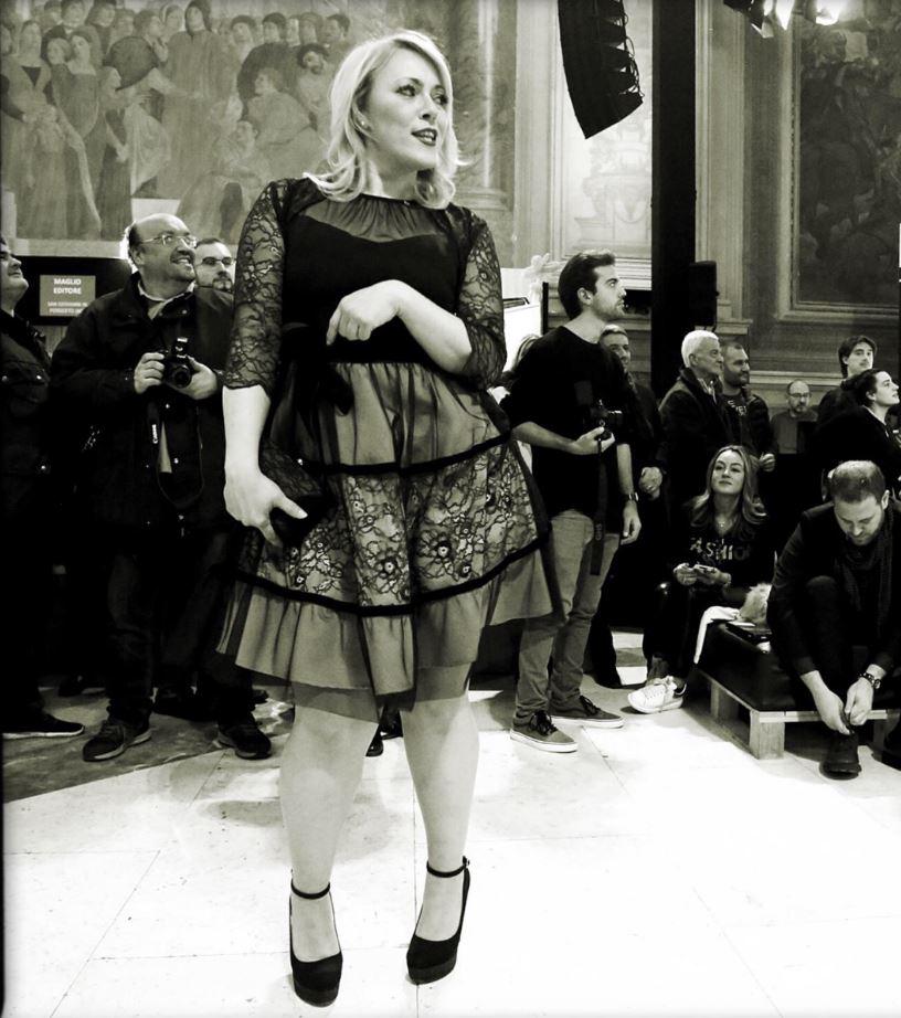 Da modella curvy in passerella, in uno scatto di Nicola Casamassima.