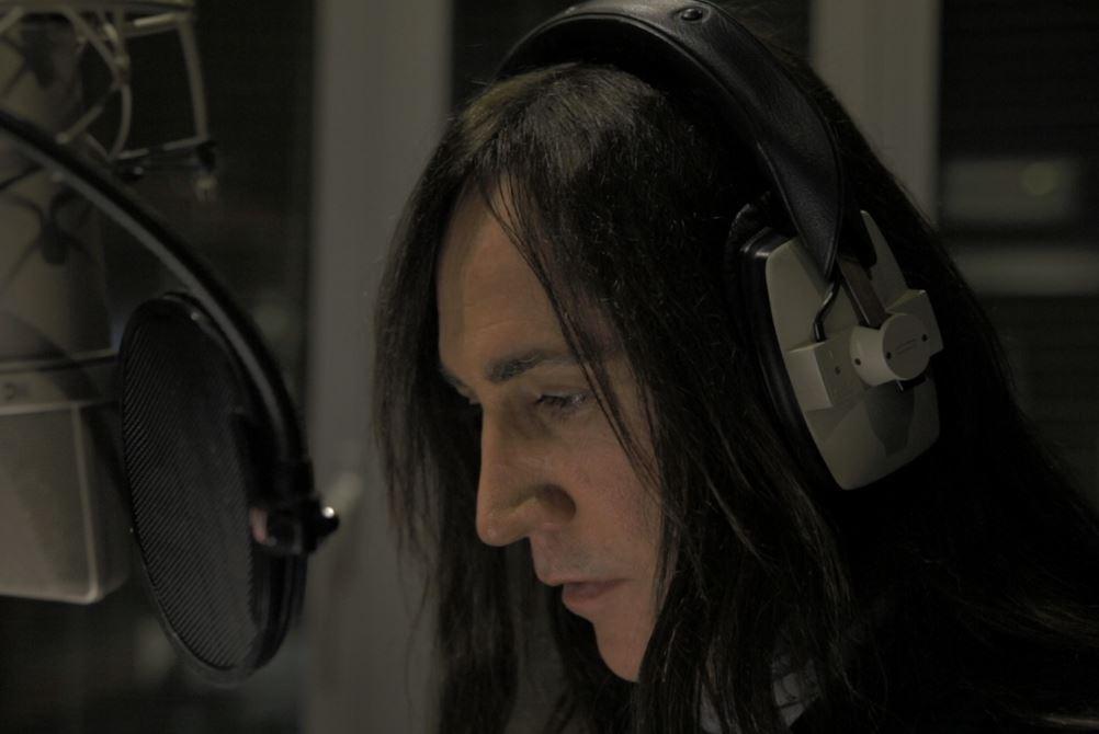 Manuel Agnelli, voce narrante nel film.