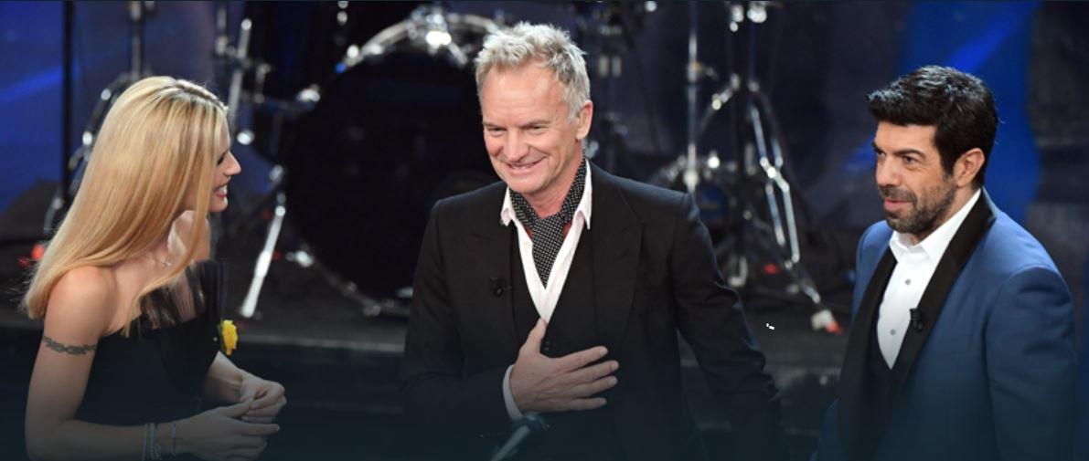 Sting superospite tra Michelle Hunziker e Pierfrancesco Favino. Ha cantanto anche in italiano.