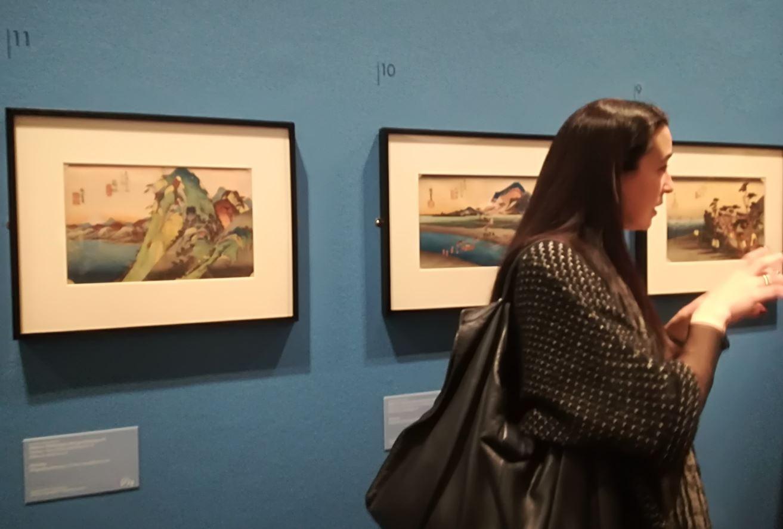 Rossella Menegazzo spiega la mostra Hiroshige a Roma (foto: Camilla Di Biagio The Way Magazine).