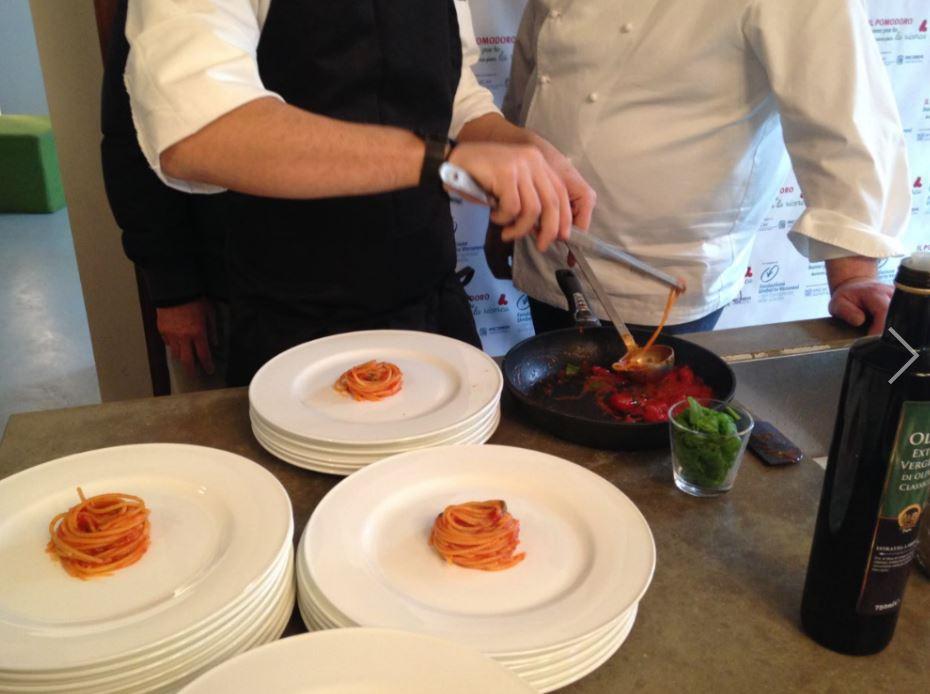 Spaghetti al pomodoro per sconfiggere il cancro.
