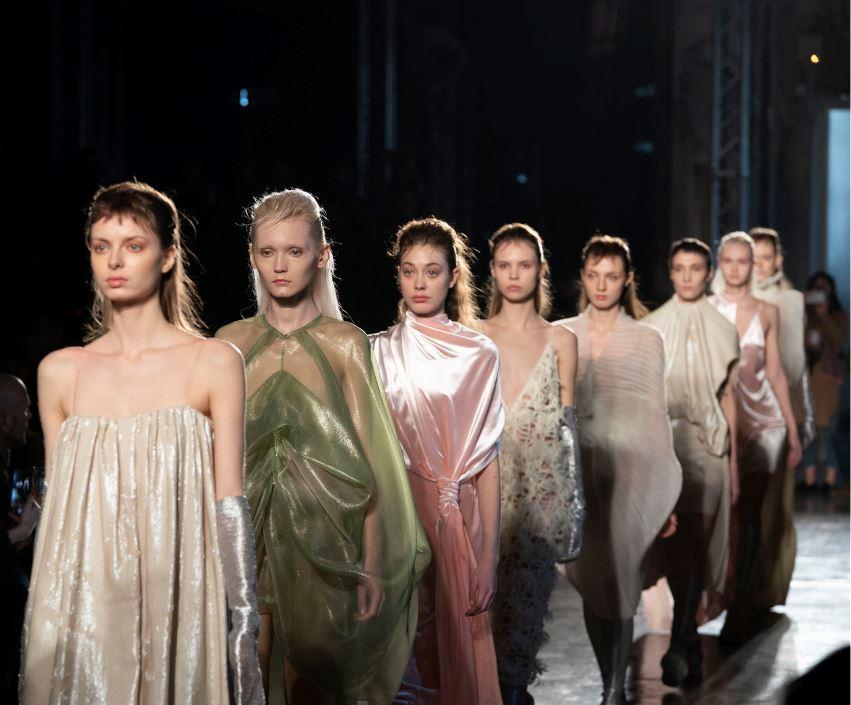 """1015d8f5f366 Alberto Zambelli e l inverno della moda """"in movimento"""""""